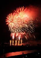 「土浦全国花火競技大会」見物客10人やけど 荒天のため途中で中止に