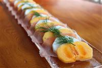 【料理と酒】スパークリングワインと楽しむ 柿とカブと生ハムのサラダ