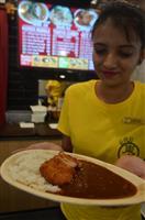 """【ルピーの世界】インドに挑戦する「日本式カレー」 食への保守性、宗教…""""逆輸入""""の成否…"""