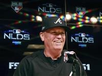 スニトカー監督の契約延長 MLBブレーブス