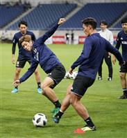 サッカー日本代表-ウルグアイ戦速報(1)先発発表、最前線には大迫
