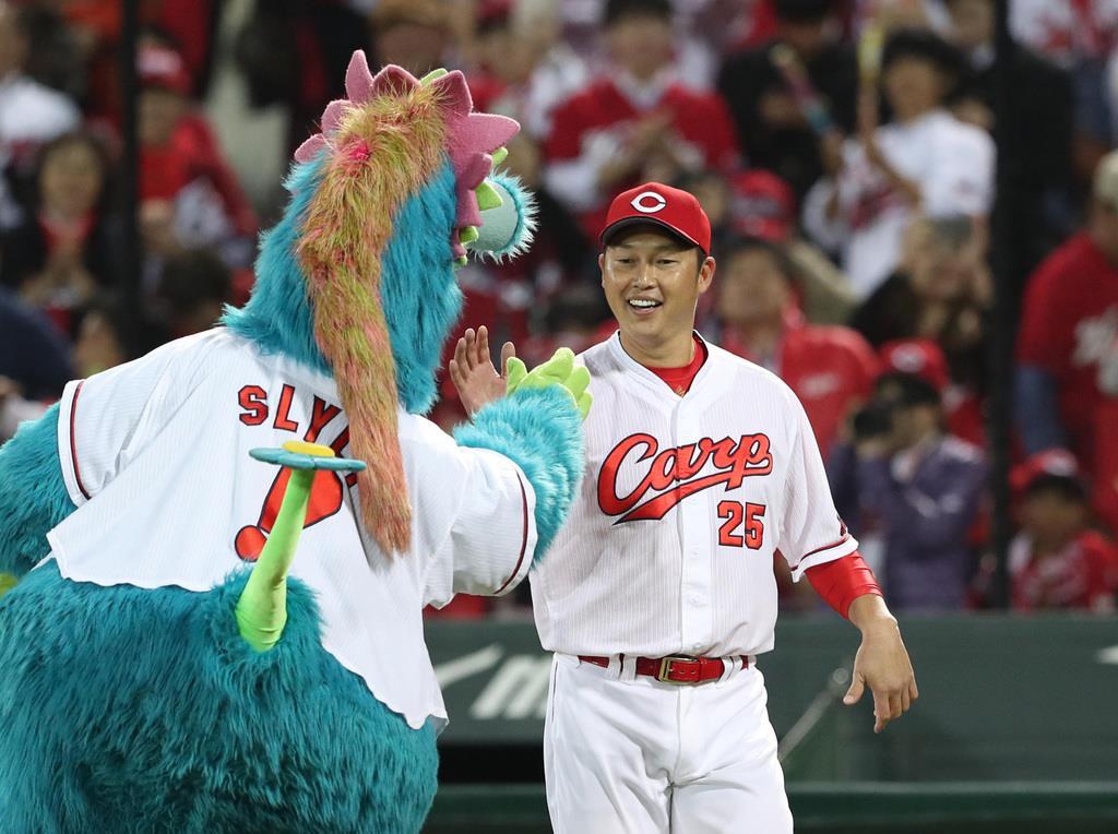 【プロ野球】広島が日本S進出に王手、菊池涼介が決勝3ラン 広…