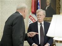 ケリー氏とボルトン氏が激しい口論 トランプ政権に亀裂か 不法移民めぐり
