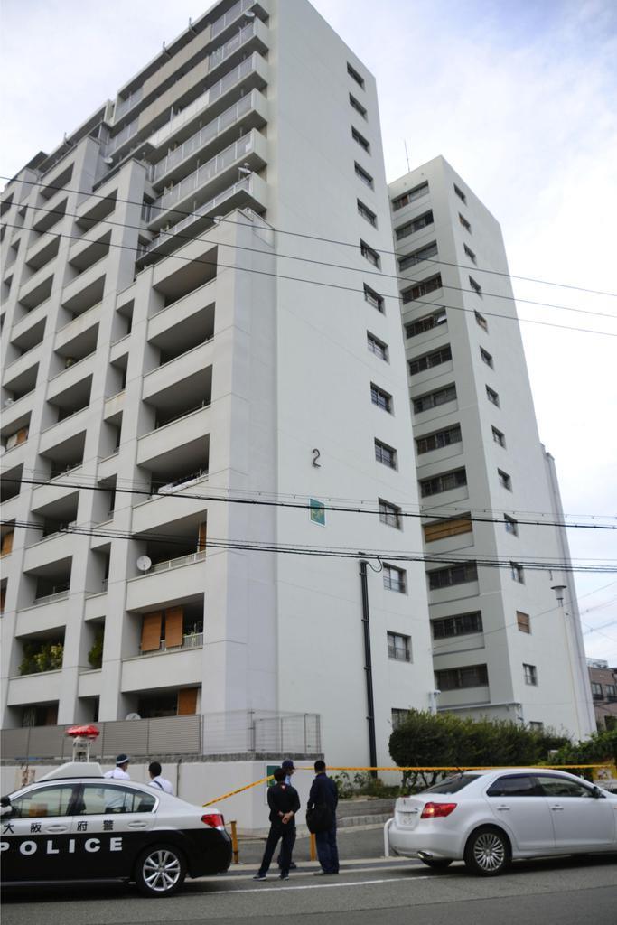 12階から自転車投げる 容疑で男逮捕、女性ケガ