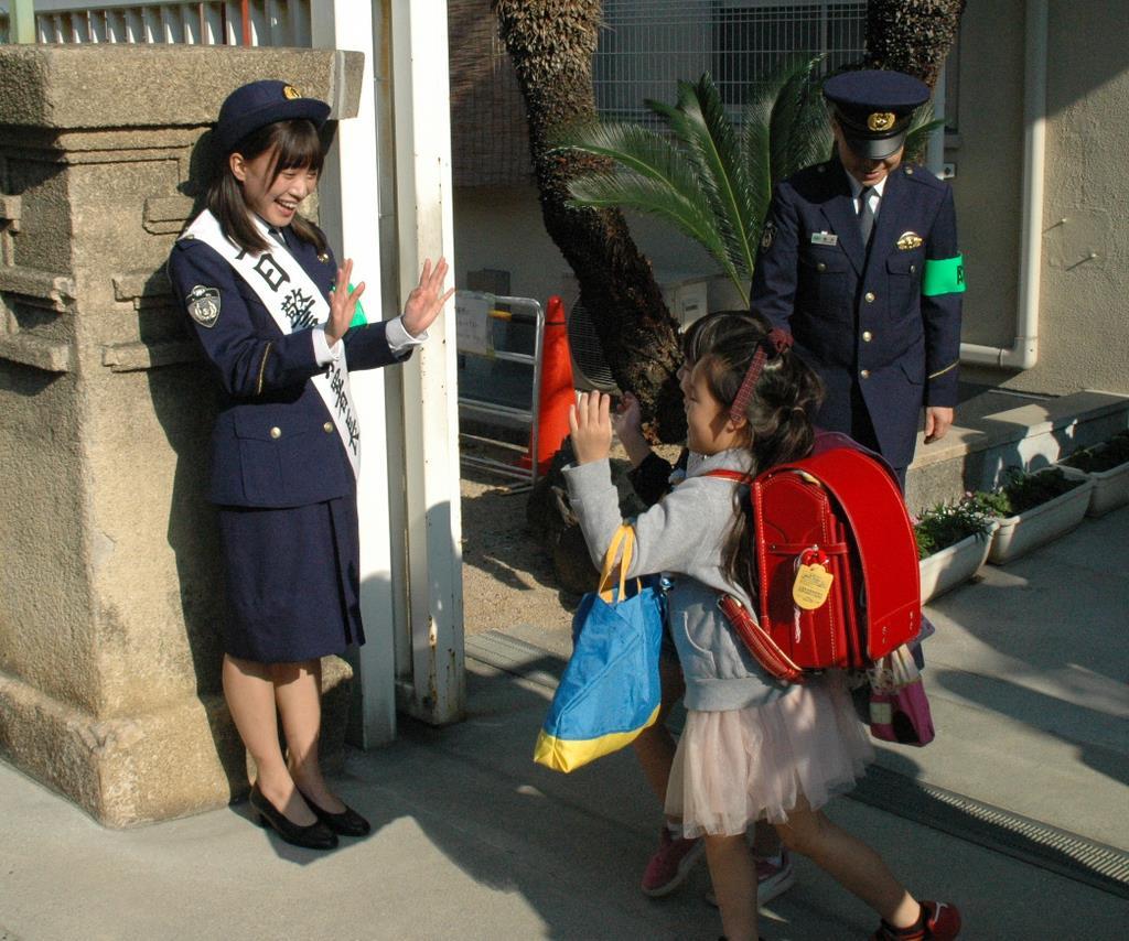 SKE48斉藤真木子さんが一日警察署長 大阪府警布施署