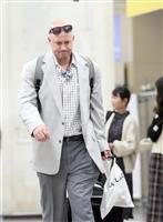 巨人マギーは現役引退の可能性 空港で涙流す