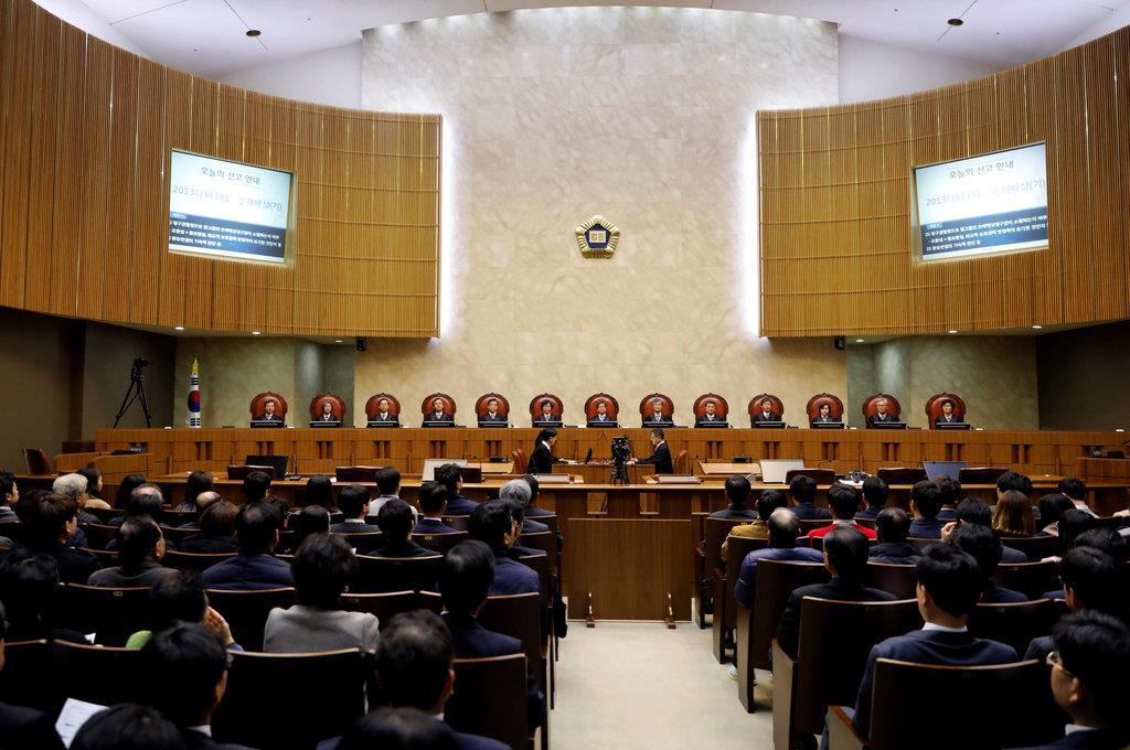 争点は日韓協定に徴用工問題含む...