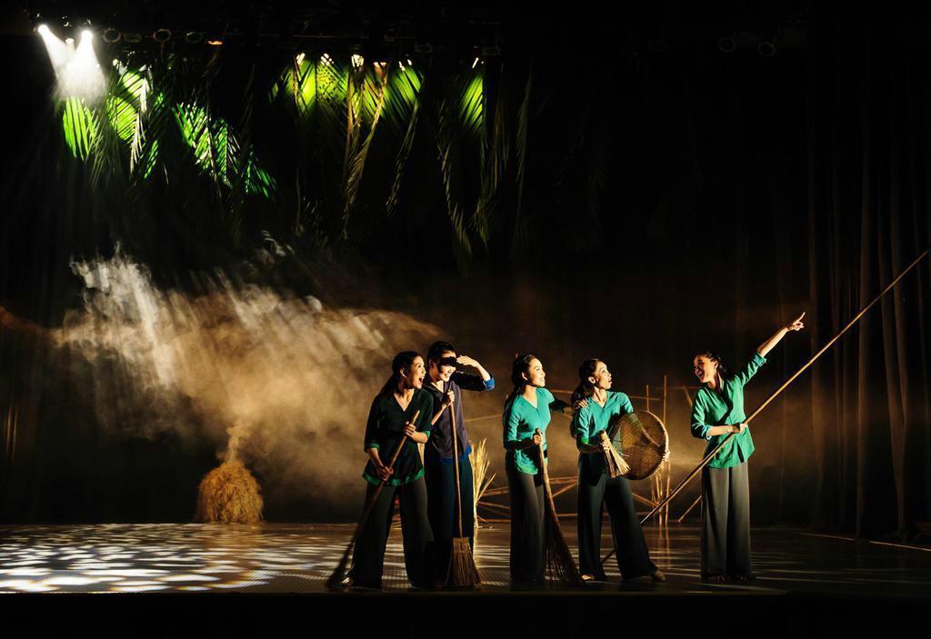 【鑑賞眼】ベトナムのダンス公演「The Mist」 美しい農…