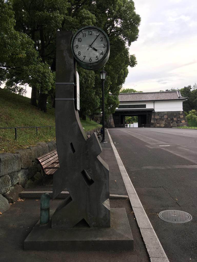 【オリパラ奮闘記】ランナー見守る「健康マラソン時計塔」