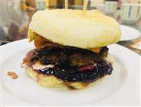 新名物「雪丸ハンバーガー」、コンテストでグランプリ 奈良・王寺町
