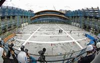 【動画】有明体操競技場の建設公開 木製アーチをリフトアップ