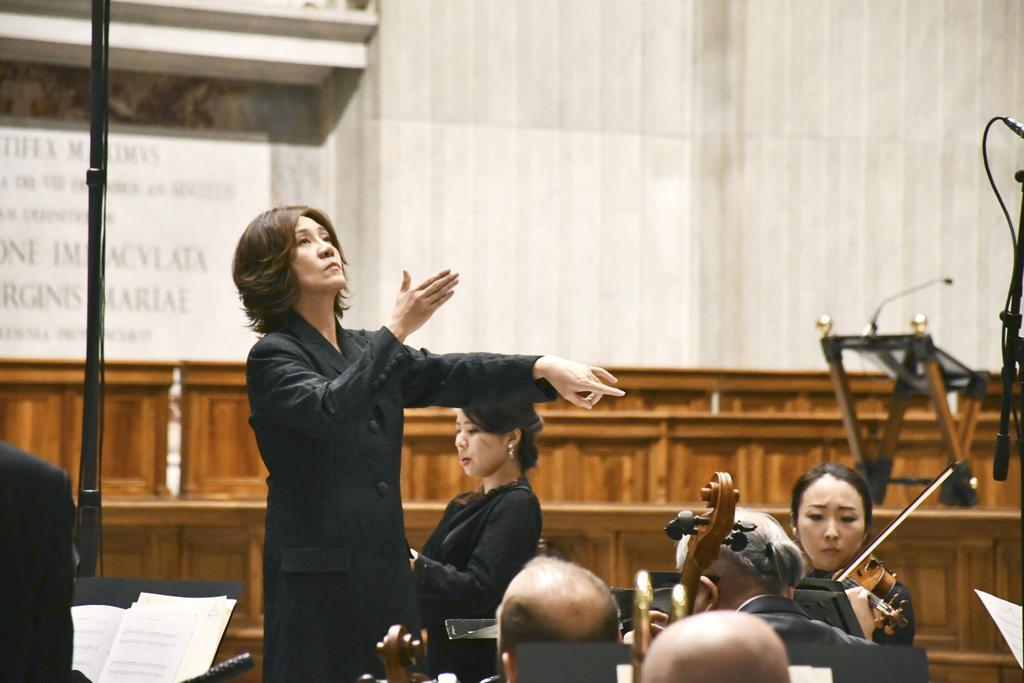 西本さん、バチカンで指揮 音楽ミサ、6年連続公演