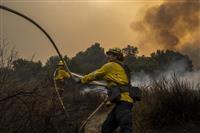 米加州の山火事 31人が死亡、約230人不明