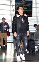 堂安「必ず優勝を」 サッカー日本代表、欧州組が離日