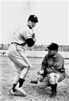 【昭和39年物語】(7)大記録への場外本塁打…試行錯誤の一本足打法