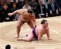高安が大関の意地、貴景勝を下し並んで千秋楽へ 大相撲九州場所