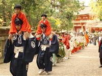 色鮮やかな衣装で準備万全 奈良・春日若宮おん祭前に「装束賜式」
