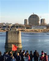 北朝鮮の新義州に謎の建築物 工事ストップの理由とは