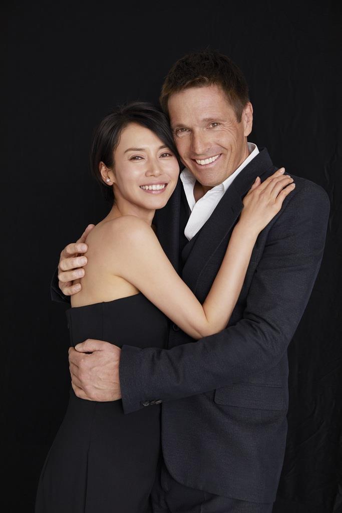 女優の中谷美紀さんが結婚 ウィーン・フィルのドイツ人ビオラ奏者と ...