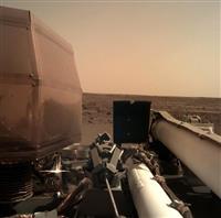 火星探査機が着陸成功 地球の成り立ち探る NASA
