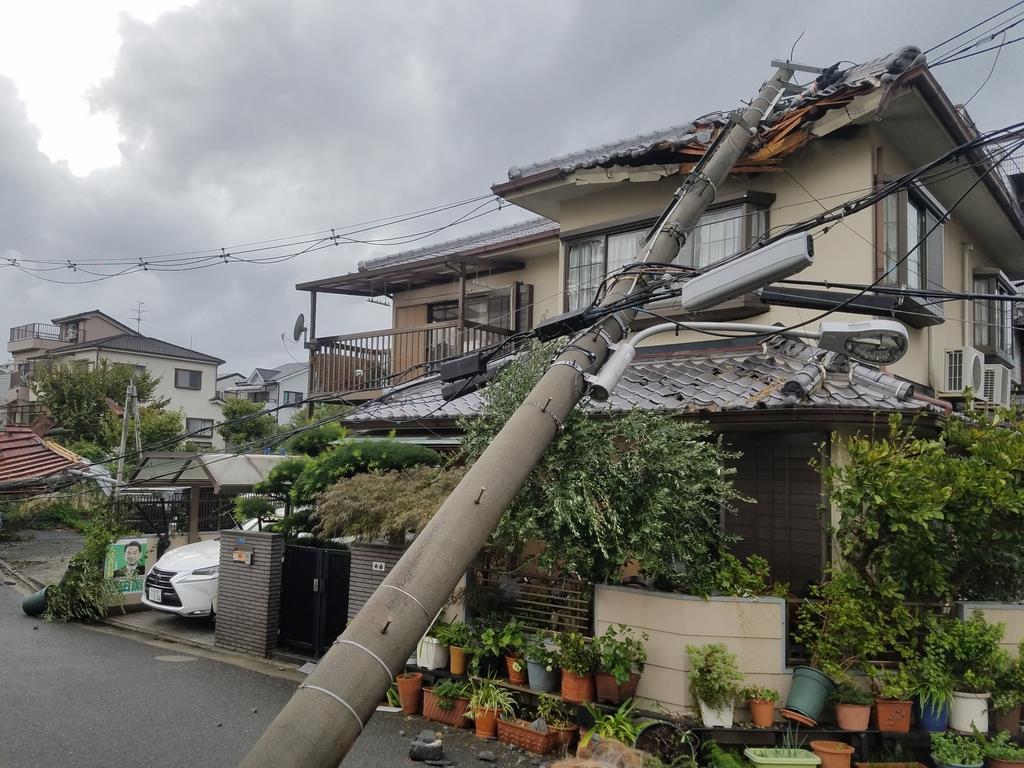 台風で学校の倉庫飛び民家被害、市が補償しない理由 - 産経ニュース
