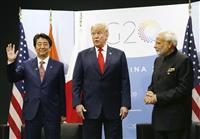日米印首脳会談 「歴史的な会談」の一方で中国刺激避けたいインド