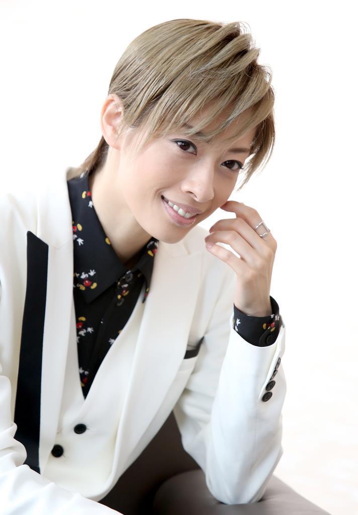【華麗なる宝塚】東京ディズニーリゾート内でコンサート 明日海りお 「宝塚歌劇団が劇場を…