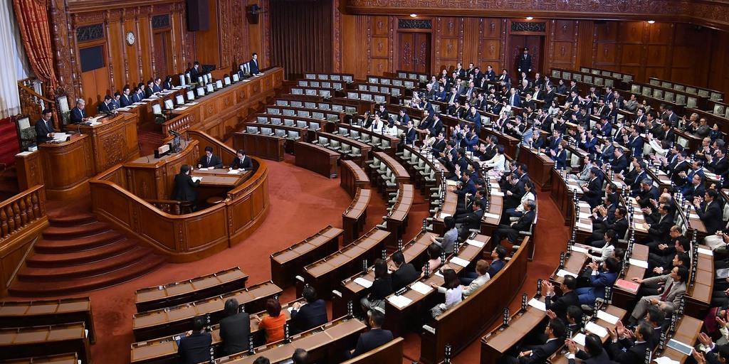 改正入管法が成立 外国人労働者の受け入れ拡大 10日に国会閉…