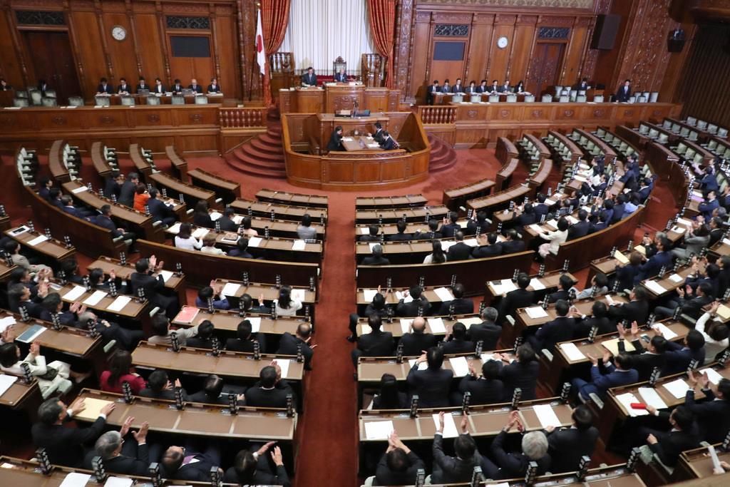 重要法案・条約成立も…国会論戦...