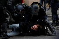 パリ厳戒 デモでルーブル、エッフェル塔など観光名所閉鎖