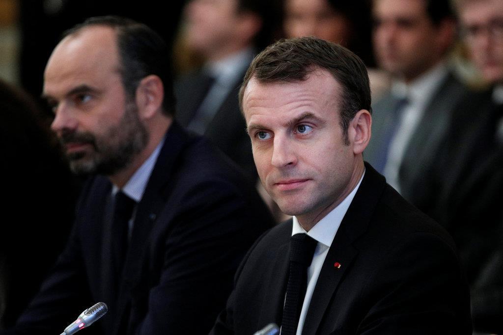 仏大統領、デモ沈静化へ対話開始 さらなる「譲歩」へ圧力
