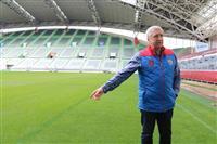 ラグビー・ロシア代表ヘッドコーチ「芝生短く走りやすい」 神戸のW杯会場視察