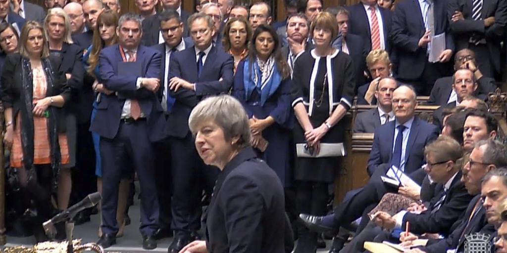 EU離脱案、11日の採決を延期へ メイ首相、否決の公算で 英…