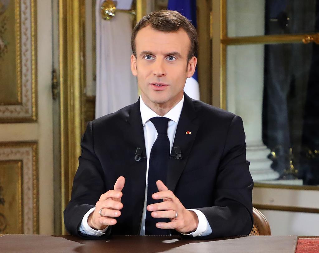 仏大統領、デモ沈静化目指し懐柔公約 最低賃金上げ