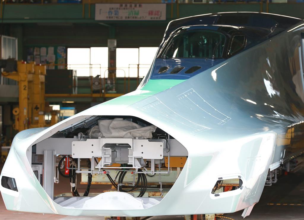 次世代新幹線の試験車公開 JR東、来年5月に完成