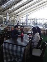 【インターン新聞より】若者に人気 こたつ×カフェ イルミネーション眺めながら寒さしのぎ…