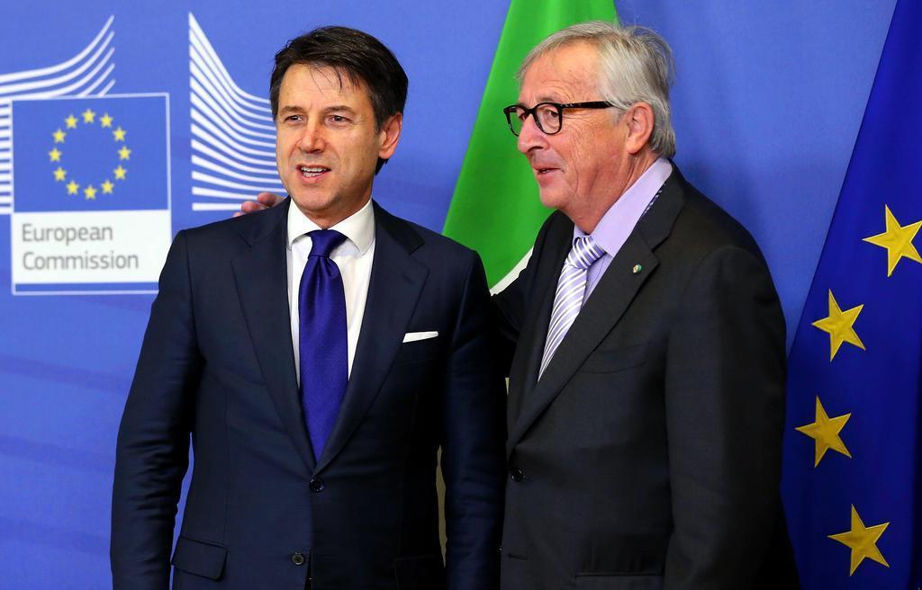イタリア、赤字削減の予算案提示 EU制裁回避狙う