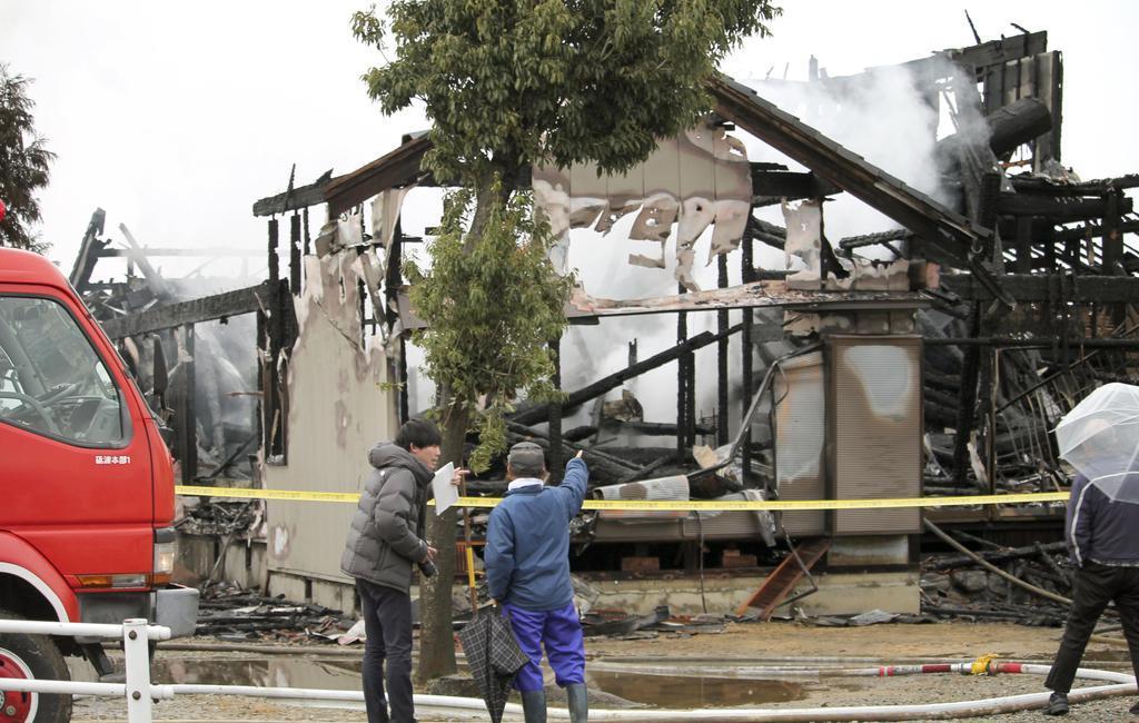 富山で住宅火災、4人不明 1人けが