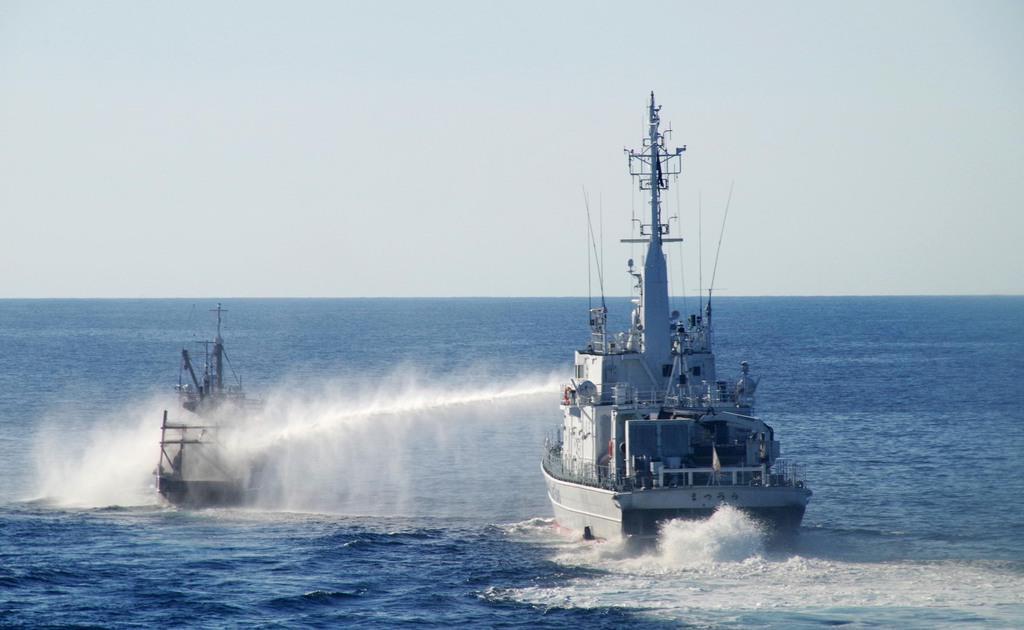 北漁船が海保巡視船に接触、一部破損 - 産経ニュース