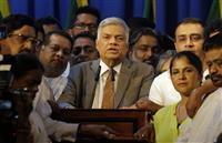 スリランカ政治混乱収束 解任首相が再び就任
