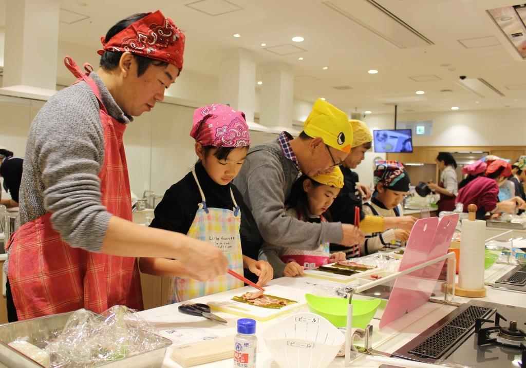 投資に料理…企業の「出前授業」に小学生ら楽しく学習