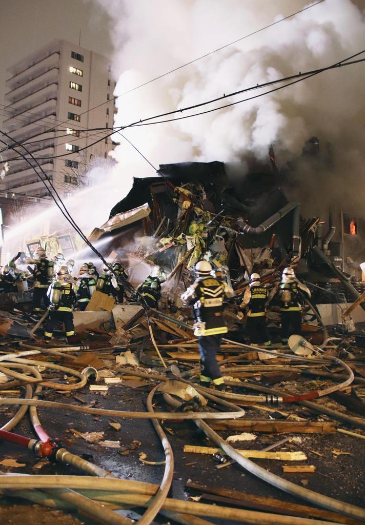 札幌で爆発、居酒屋倒壊 42人けが1人重傷 - 産経ニュース