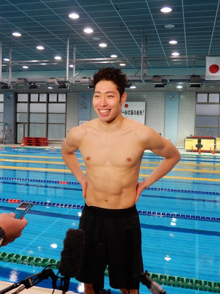 萩野は12月上旬を1年で最も泳ぐ期間と定め、強靱な肉体をつくり上げた