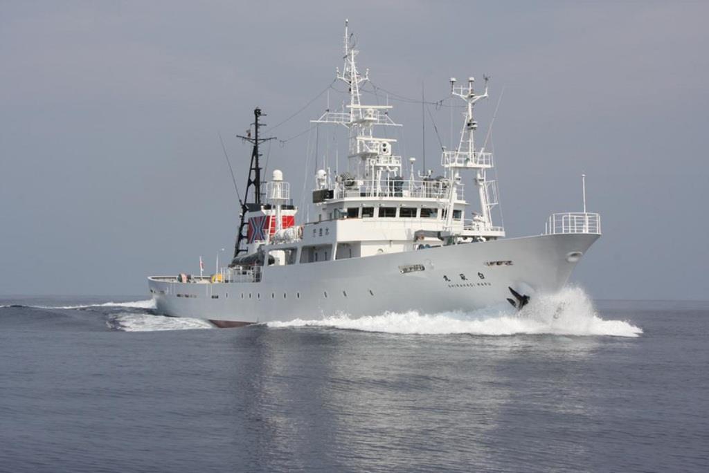 中国漁船団が大接近 水産庁側、...