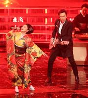 【紅白速報】(19)紅組トリの石川さゆりさん、布袋寅泰さんのギターに乗せ「天城越え」
