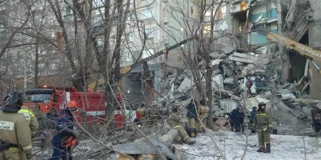 ロシア南部でガス爆発、住民4人...