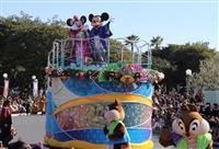 ミッキーやミニーらと新年祝う 東京ディズニーリゾートに約6万8千人 千葉・浦安市