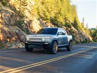 新興EVメーカーのリヴィアンは、高性能な「電動ピックアップトラック」で新市場をつくる