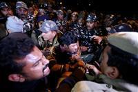 インド「女人禁制」寺院 女性参拝めぐり対立拡大