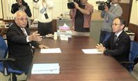 宮古島市長、県民投票への協力拒否 沖縄知事と面会